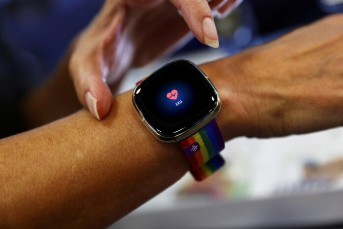 google-can-acquire-fitbit-but-users-health-data-cant-be-used-for-ads