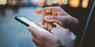 a-twitter-user-got-windows-10x-to-run-on-a-smartphone