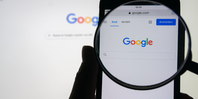 Google Explains Why It Removes Content From Search Results