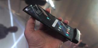 Motorola Razr foldable phone finally gets Android 11