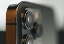 Apple warns mounting iPhone on motorcycle may damage its camera